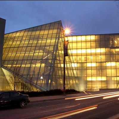 دانشگاه هنینگ لارسن در دانمارک
