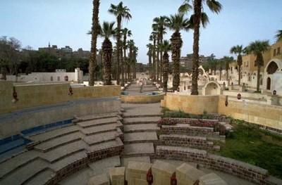 تصویری از آمفی تئاتر رو باز مجموعه فرهنگی کودکان قاهره
